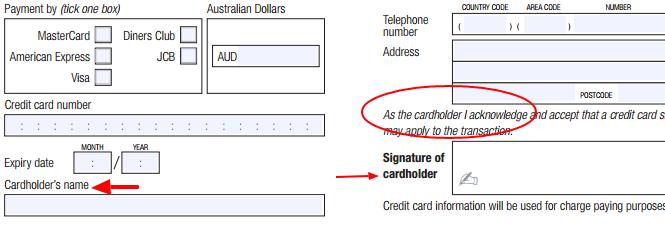 El titular de la tarjeta de crédito debe firmar la autorización del cargo.